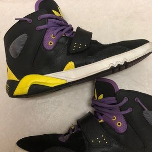 low priced f6557 47914 Mens Lakers Adidas Shoes on Poshmark